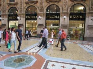 Bookshop Milan IMG_4487